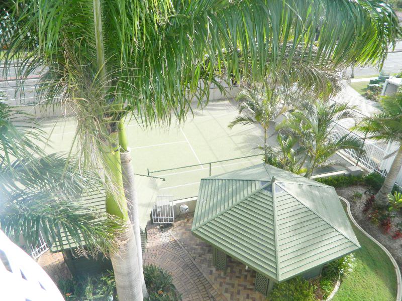 2nd Ave Beachside Apartments Tennis Court Gazebo